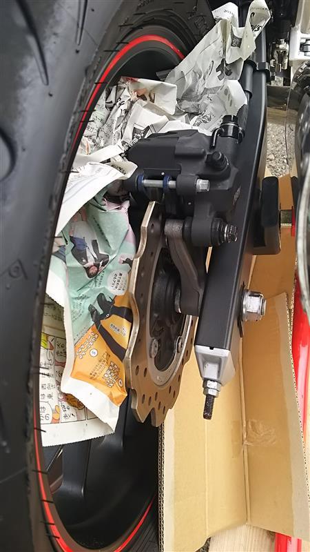 CBR400R(EBL-NC47):ブレーキキャリパーのケミカル洗浄【4500Km】(備忘録)