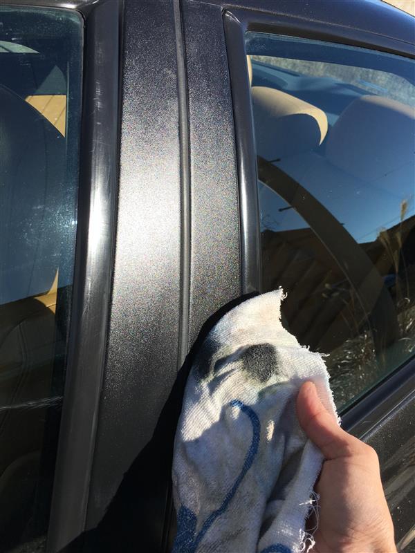 洗車ついでにピラーやリアドアのノブなどキレイに