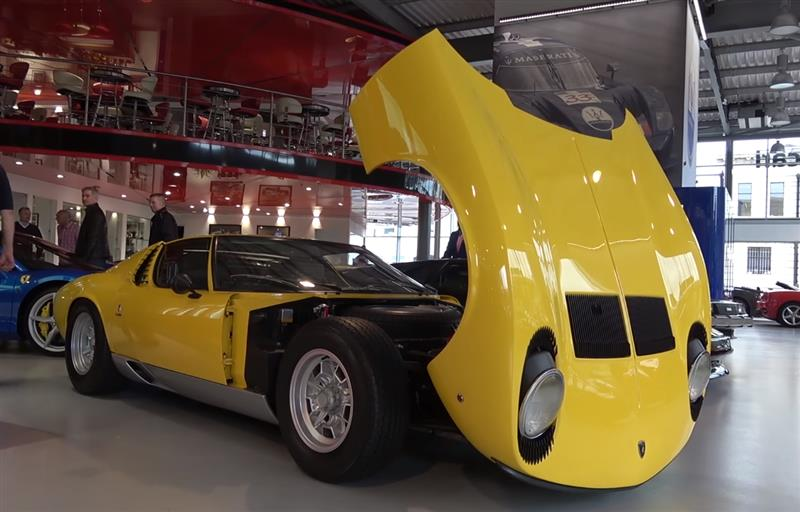 Lamborghini Miura: In-Depth Exterior and Interior
