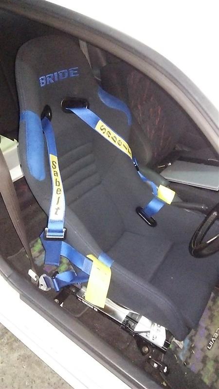 バケットシート、シートレール交換