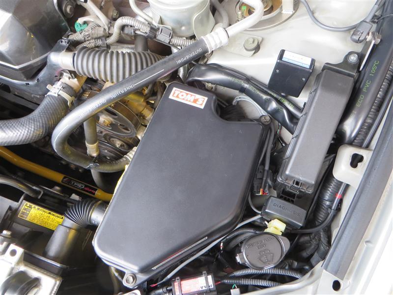 ECUケース冷却用に新設したブロアーファンのコントローラーを取り換え