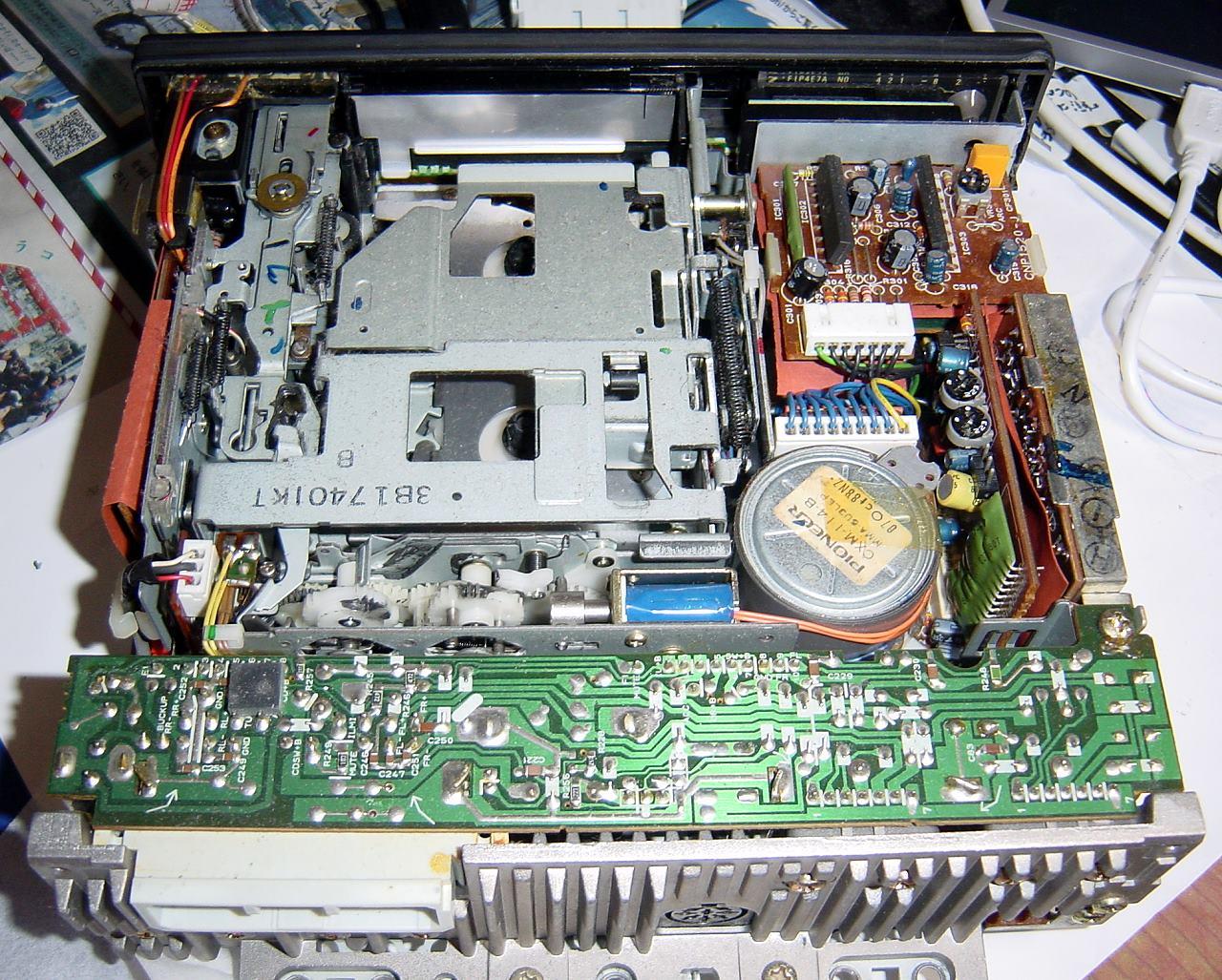 純正カーオーディオ KE-4130ZHの修理 [2]