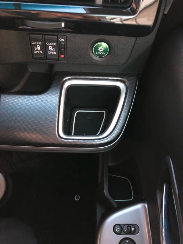 KINMEI 車種専用設計ラバーマット取付け