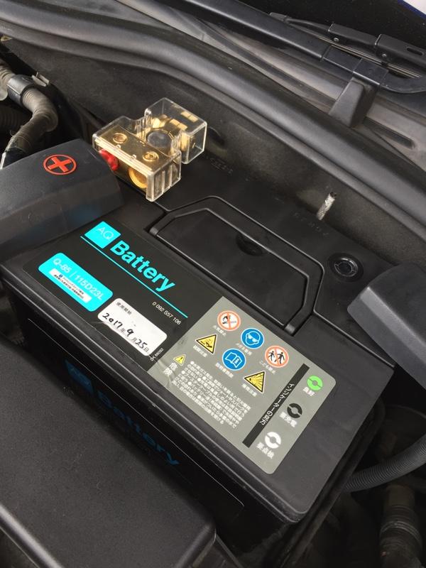 バッテリー交換。パワステオイル補充。