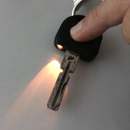キー内蔵照明の電池交換