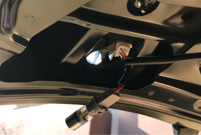 LEDバックランプバルブ(T16)交換