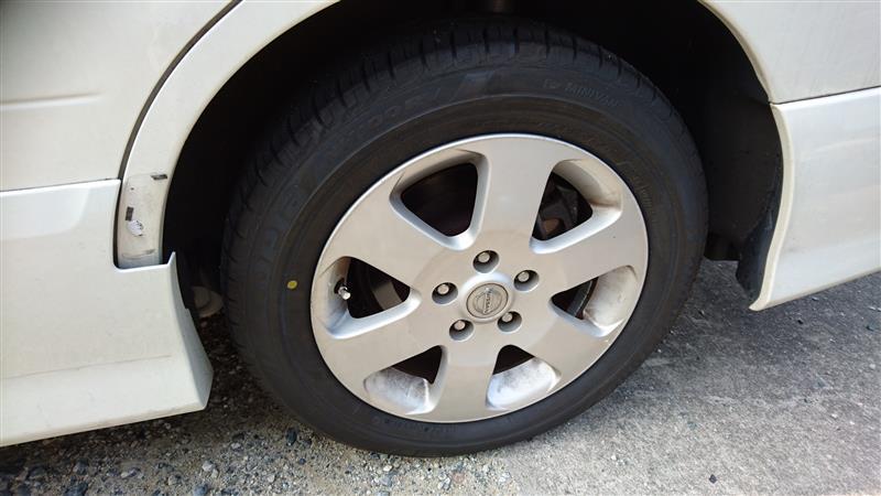タイヤ左後ろパンク