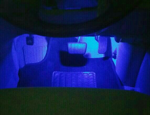 e-くるまライフ LEDフットライト ブルー 取り付け