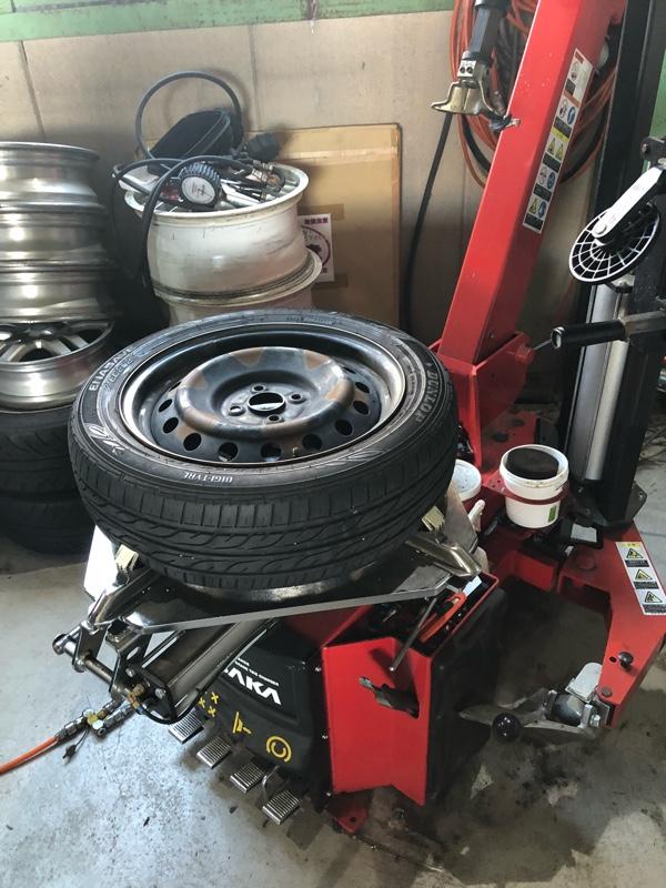 タイヤはめ替え