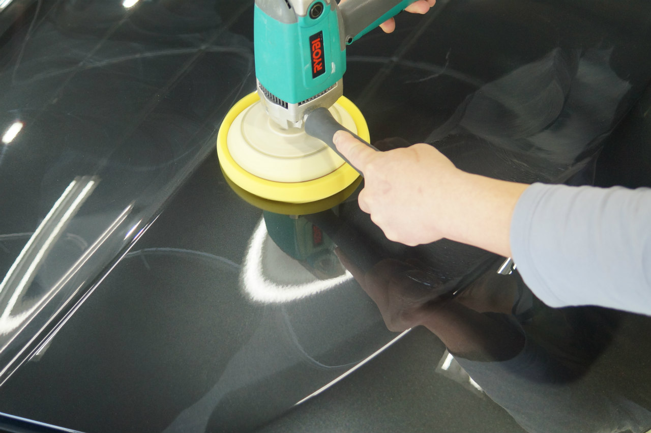 工程を踏み塗装面を整えていきます。