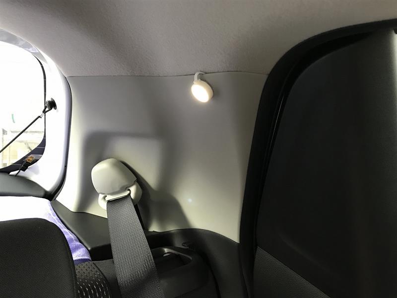 後部座席用ルームランプ追加