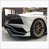 【Aventador S】センターロックホイールナットを脱着の画像