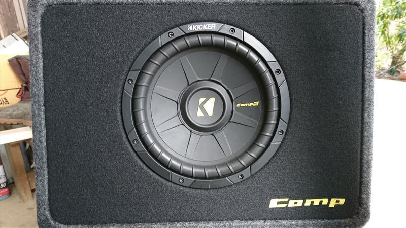 KICKER Comp S 10インチサブウーハー取り付け