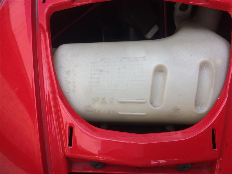 冷却水補充(クーラント漏れ発見)