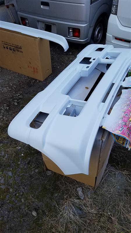リップ、フロントバンパー、リヤバンパーへの3コートパール上塗り塗装♪