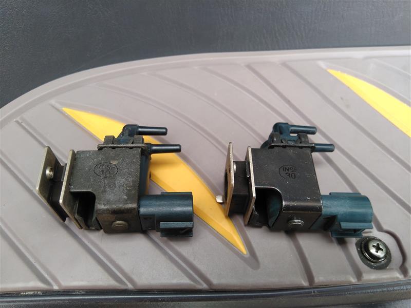 バキュームスイッチングバルブ+バキュームホースの交換とエンジンルームの清掃 (41550km)
