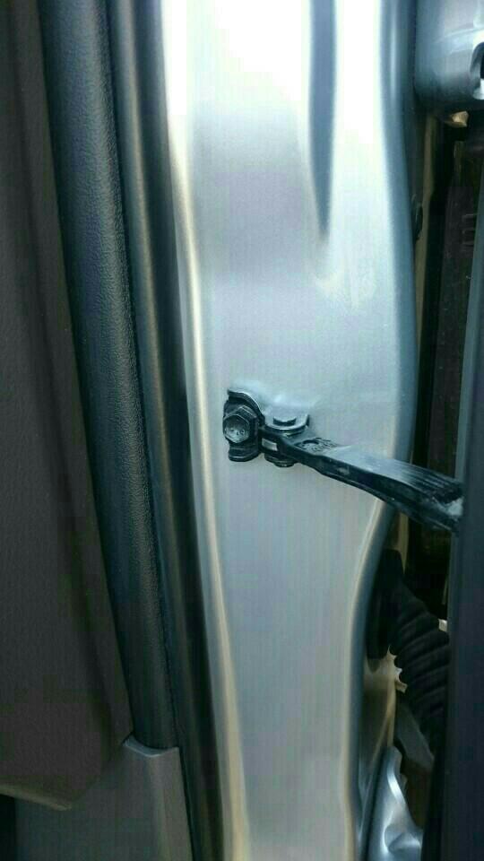 ドアストライカーカバー&ドアストッパーカバーの取り付け!