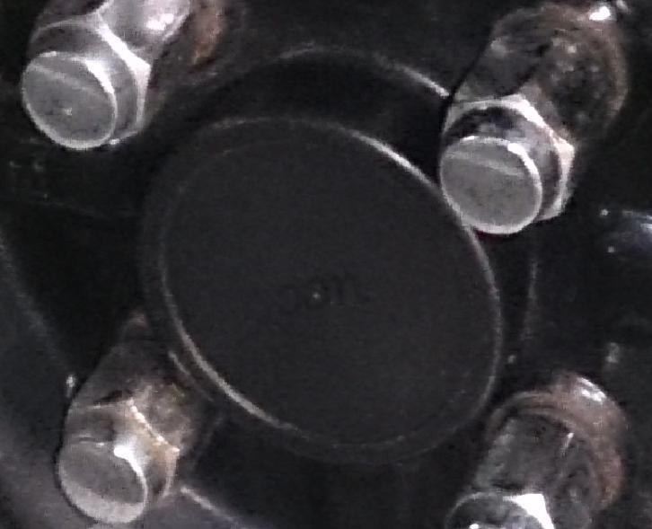 スタットレス鉄っちんのハブキャップ製作