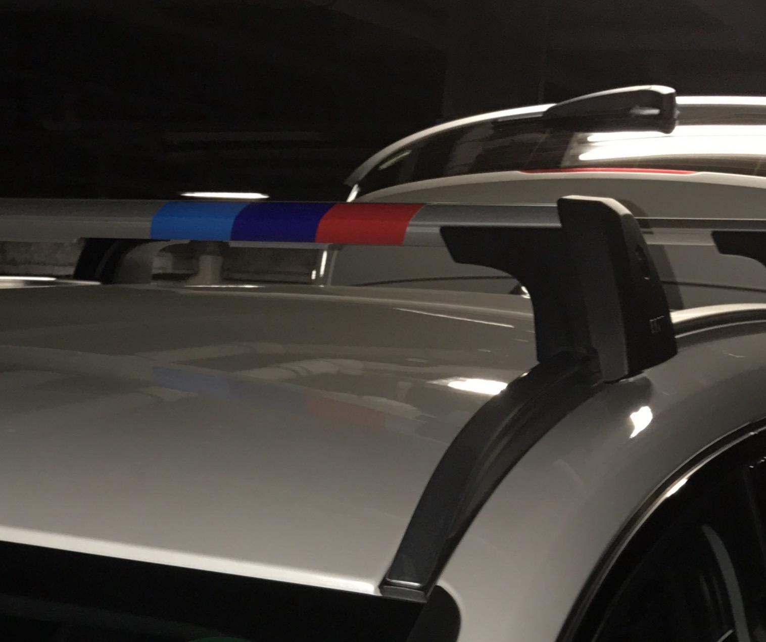 BMWカラー ステッカー剥がし