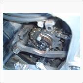 スピードメーターギアの移設並びにドライブスプロケット、チェーン交換
