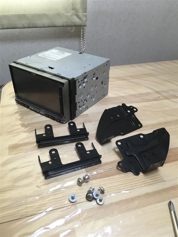 クラリオン MAX7700 修理 ①『ナビ取外し』
