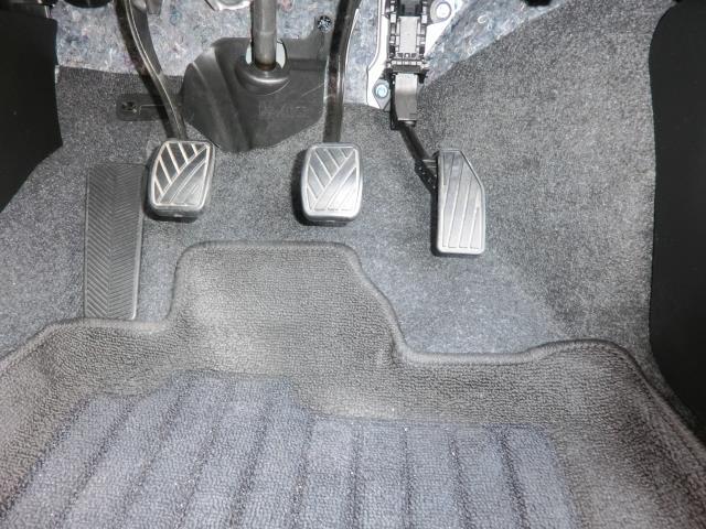 運転席の床の汚れ対策