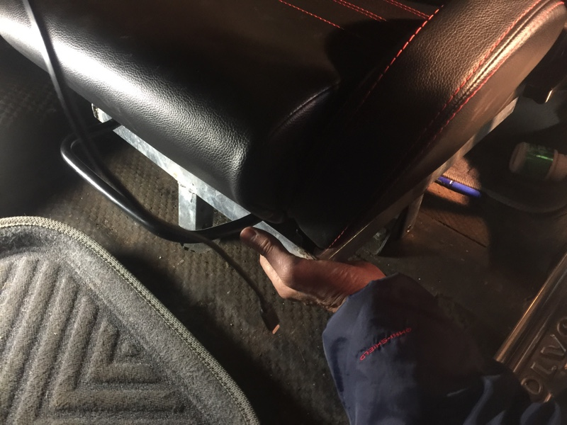 セミバケットシート を先輩のアマゾンに装着