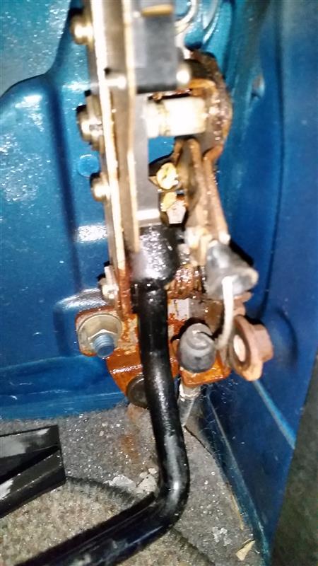 アクセルワイヤー凍結応急修理