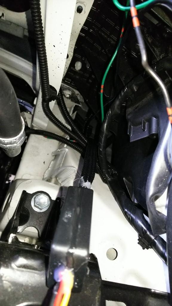 シーケンシャルウィンカー&ポジションテープ取り付け(フロント)