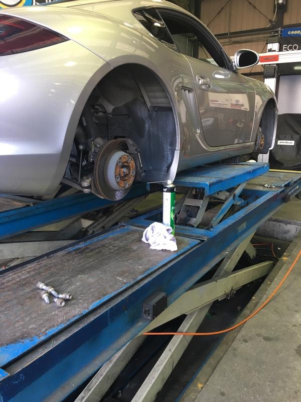 もうすぐ車高調に変えますがとりあえず…足回りの点検とタイヤ交換