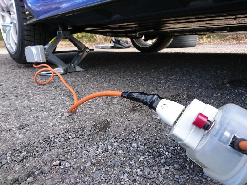 夏タイヤ付け替え&フェンダー緩衝材取り付け