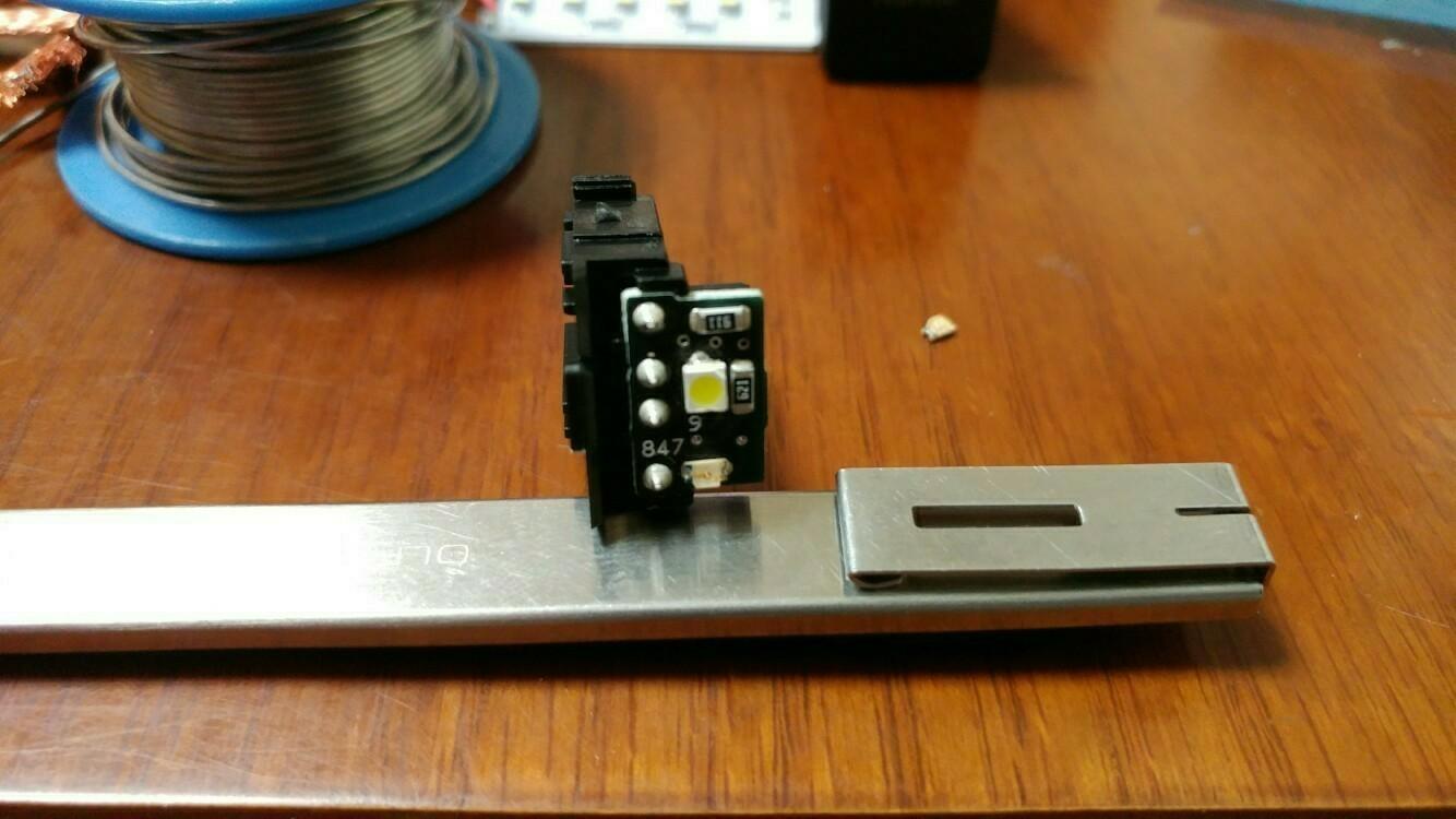 余り物LED使用 ナノイーボタン 打ち換え