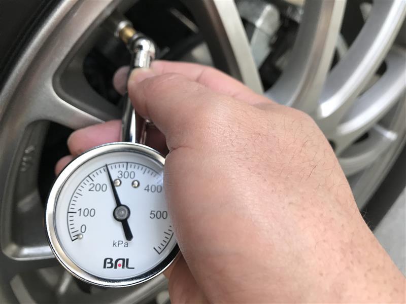 朝一の空気圧点検