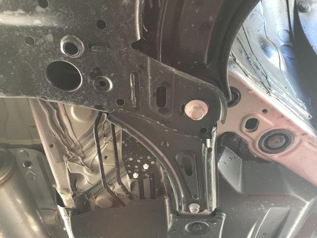 スイスポzc33 クスコ パワーブレース フロント取付