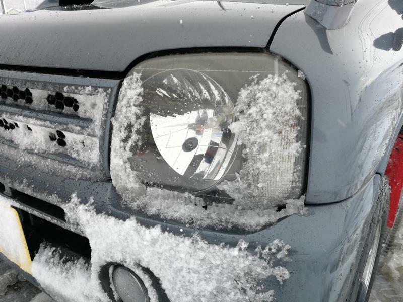LEDヘッドライトにおける雪対策