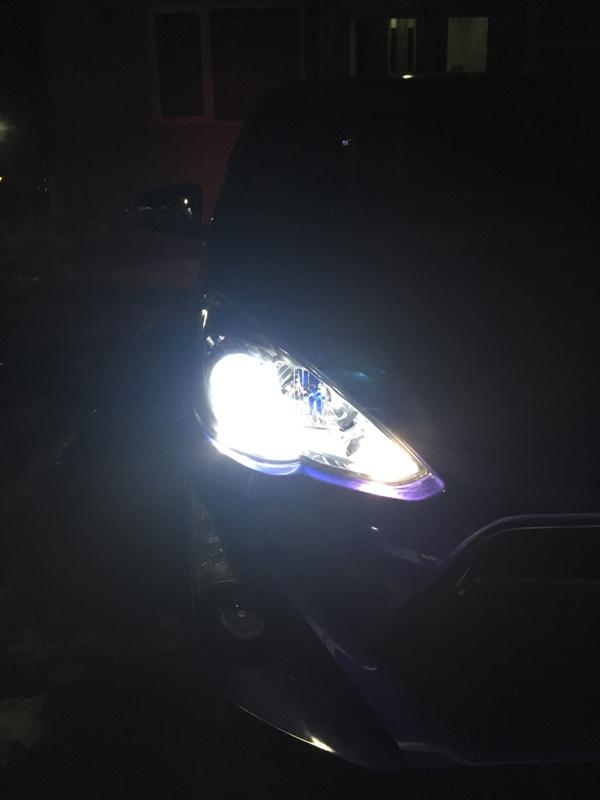 車の方の点灯画像<br /> ロービームのみ<br />