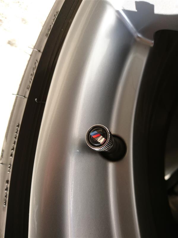 BMW エア・バルブ・キャップ(Mロゴ)交換