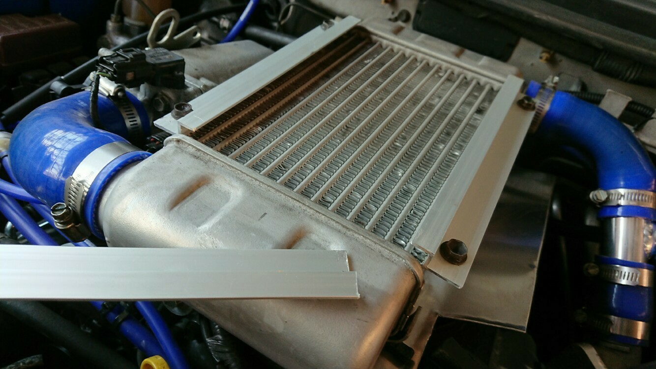 インタークーラー 導風板 作ってみた