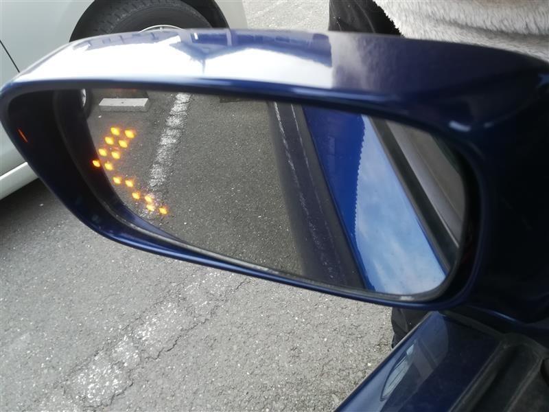 サイドミラー透過型ウインカー →ハザード点灯のみへ加工