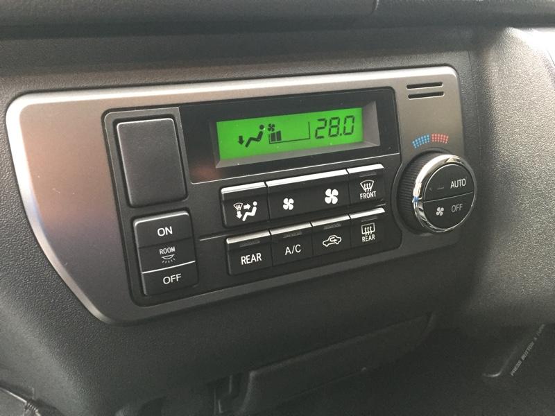 トヨタ純正ルームランプスイッチ 取付及びランプ本体追加工