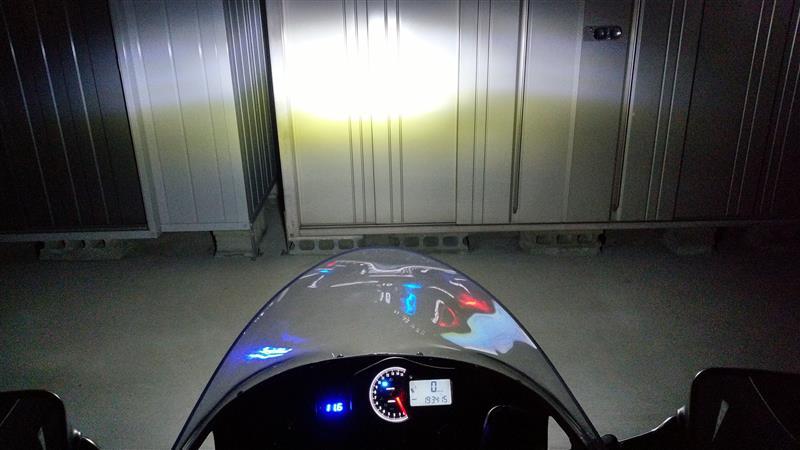 LEDヘッドライトバルブの取付け