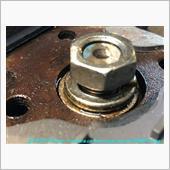 勿論ハンドルロックして<br /> ボルトは一気に抜けると危険なので、少し緩めて入れておきます。<br /> 上下左右に引っ張ると~