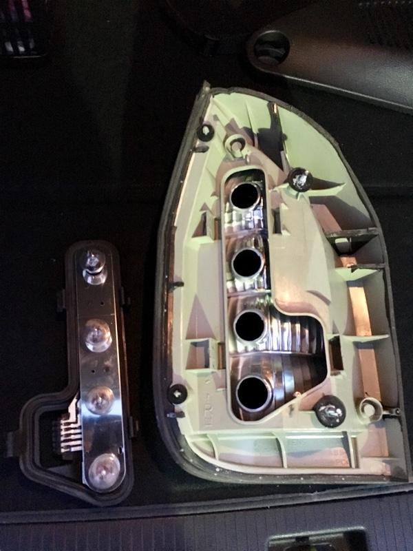 洗車&テールランプ交換と軽いミステイク…