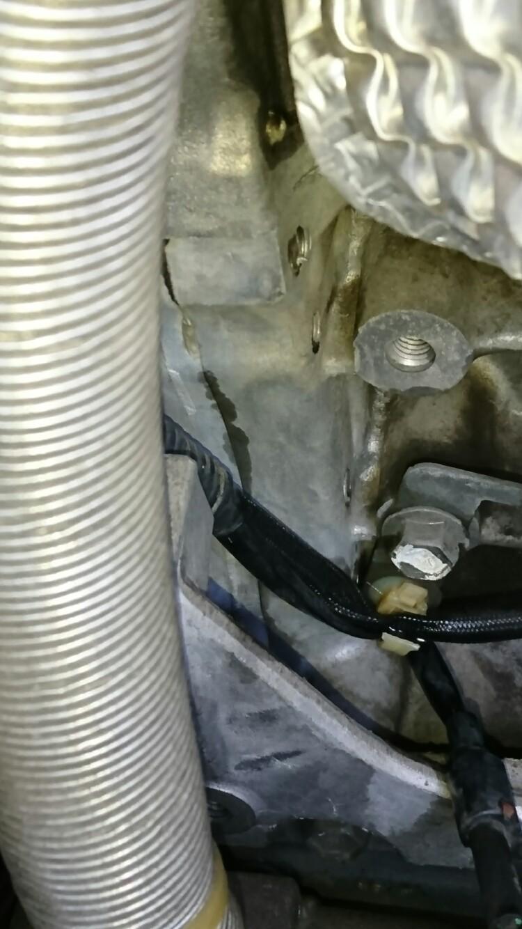 エンジンオイル漏れ確認