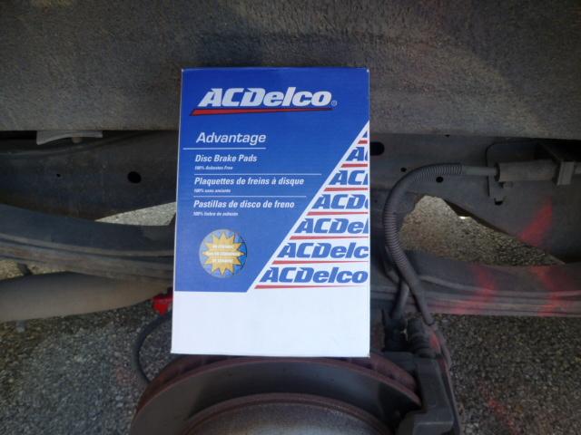 ACDelcoリア・ブレーキパット交換