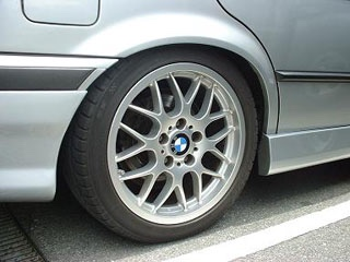BMW E36 BBS RXセンターエンブレムの取り付け