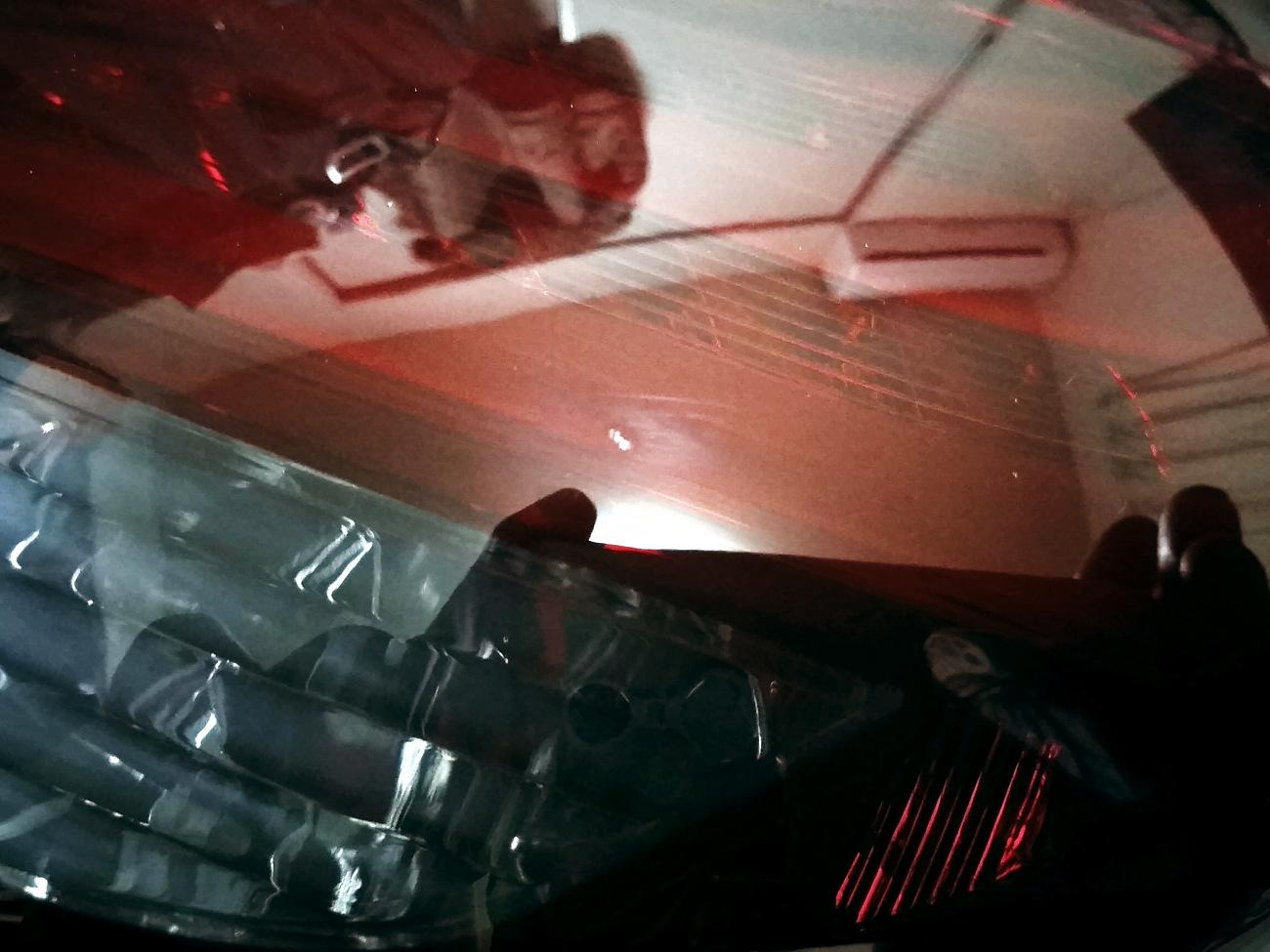 クリアテールをレッドスモークに塗り替える その2 スモーク塗装