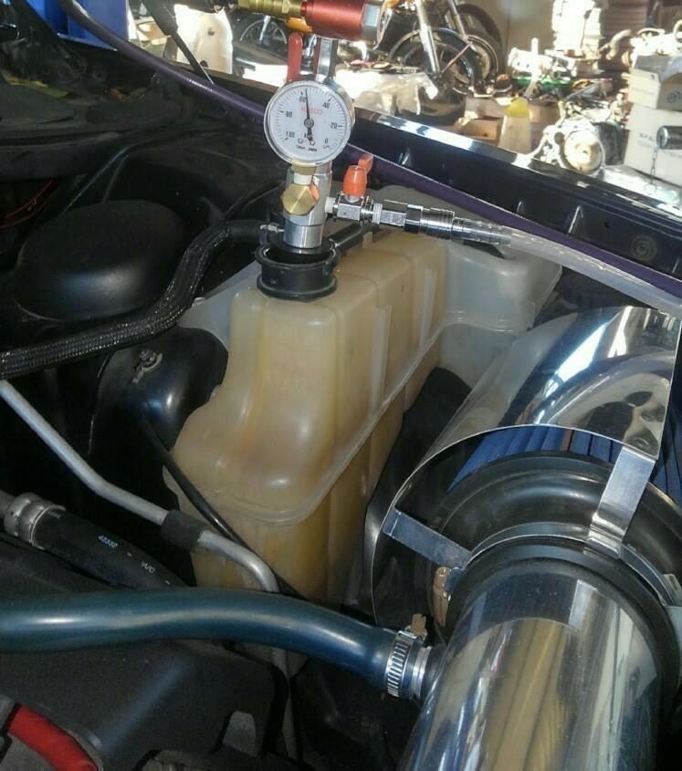 サーモ交換と冷却水交換