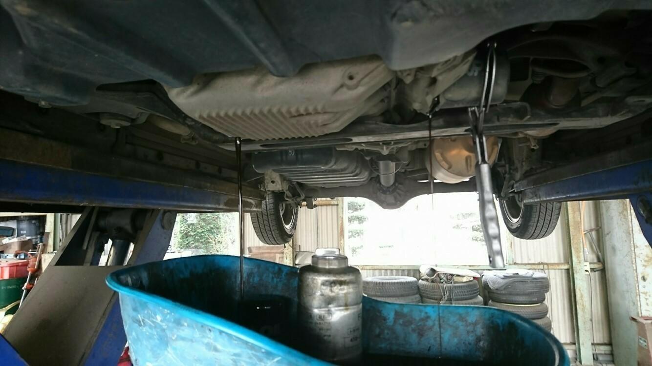 エンジンオイル交換、エレメント交換、オイルシール剤注入