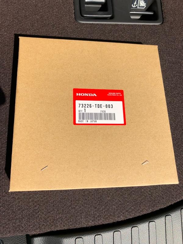 HONDAの純正パーツJF1.2用の物ですが装着出来るだろうと(^^;)<br /> 値段も安かったのでダメでもいいやと😂